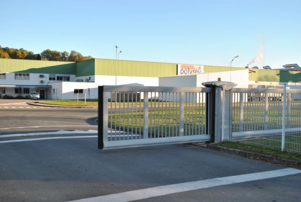 installation porte de garage sectionnelle barri res